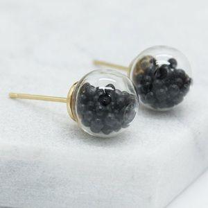 Jewelry - 🎁🎄Black bead filled earrings🎄🎁